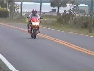6 second wheelie from cbr 900 rr from:DotComd